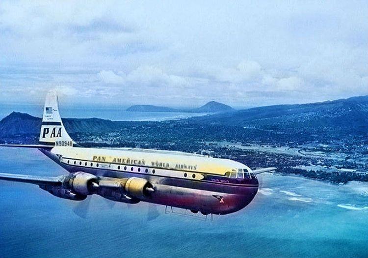 Boeing 377 Stratocruiser döneminin en iyi 4 motorlu uçakları arasında başı çekiyordu.