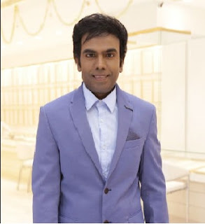 Saravanan Arul, owner of Saravana Selvarathinam Stores in India