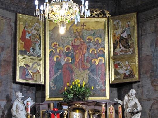Kościół św. Barbary w Mikuszowicach. Ołtarz główny.