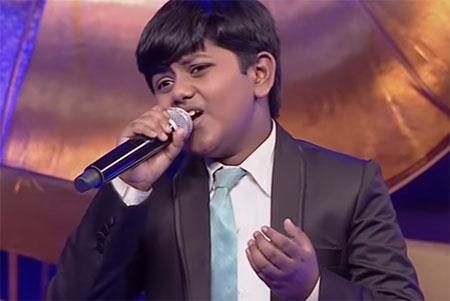 Arjun sings Ennodu Nee Irundhaal from I