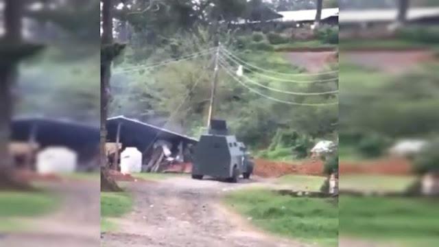 Comando armado a bordo de vehículos blindados y rifles de grueso calibre, ataca humildes viviendas en la Costa de Michoacán hasta con drones cargados con explosivos