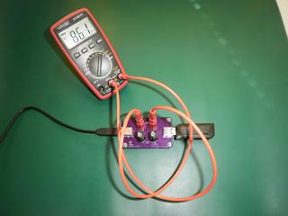 Placa PTUSB1 a ser utilizada para medir o consumo de um dispositivo USB.