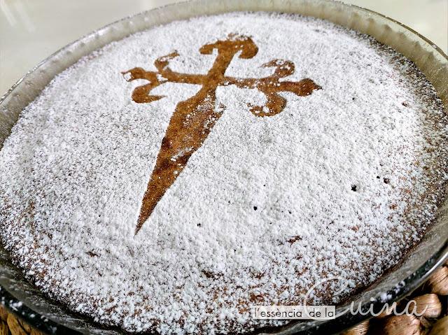 Tarta Santiago, cuina per nens, l'essència de la cuina, blog de cuina de la sonia