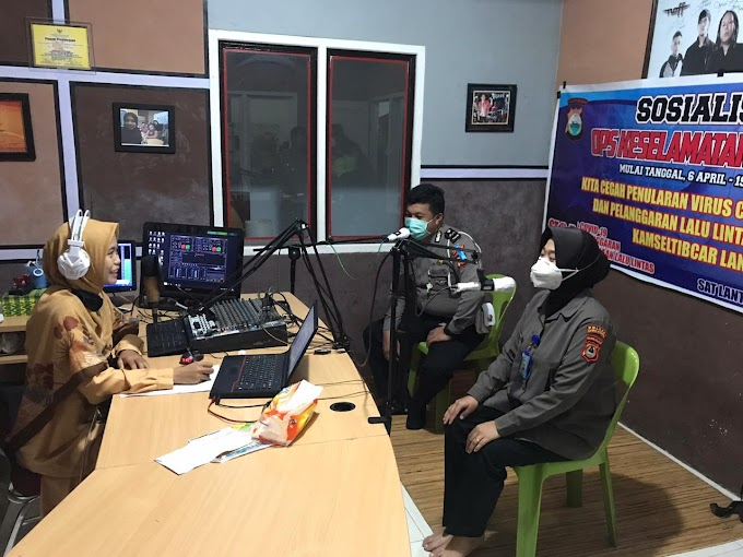 Sat Lantas Polres Luwu Utara Memberikan Himbauan Lewat Stasiun Radio Dalam Rangka Keselamatan  LIPU 2020 Di Lutra