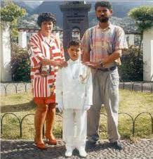 Cristiano Ronaldo dengan orang tuanya