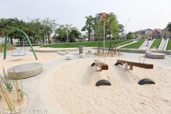 台中南屯|豐樂雕塑公園|湖水岸藝術村|特色公園|磨石子溜滑梯|跑酷練習區