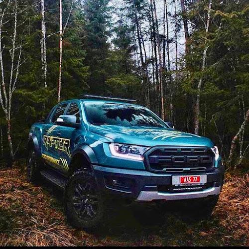 Ford Ranger Warna Biru Muda
