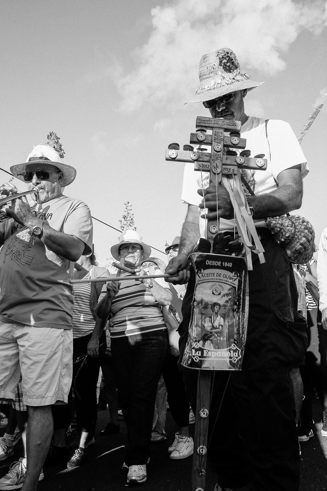 Romeria, Guimar - Socorro; Famous inprovised instrument: Racha - racha