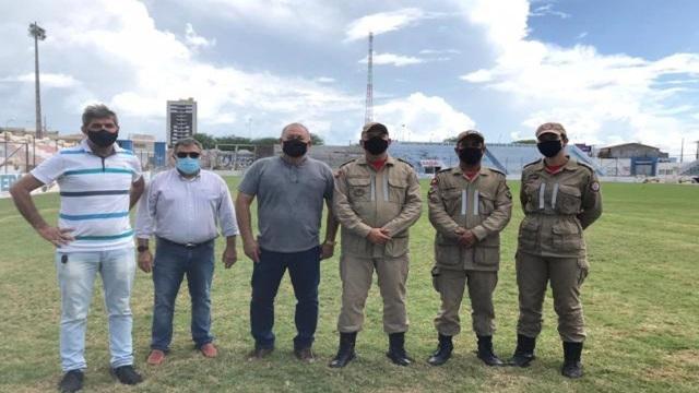 Estádio José Cavalcanti recebe visita técnica do Corpo de Bombeiros e pode ser liberado nesta quinta-feira, em Patos