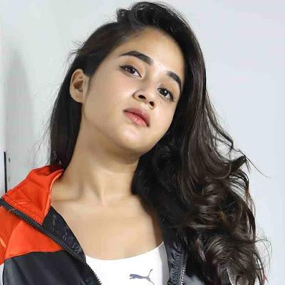 Deepthi Sunaina Wiki, Biography