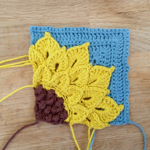 Quarter Sunflower Square - Free Pattern