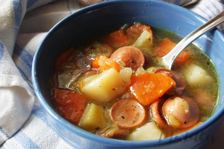 Суп с сосисками и капустой