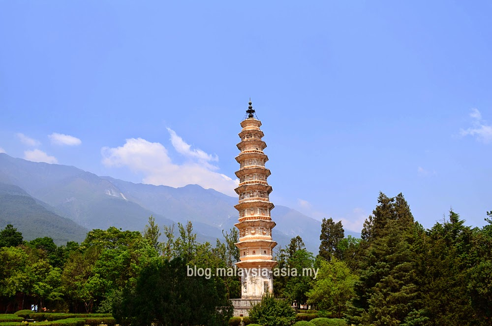 Dali Leaning Pagoda