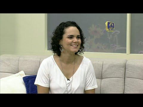 Flávia Machado explica como se produz audiodescrição para as emissoras de TV