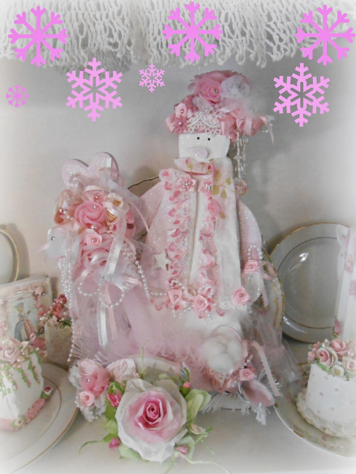 Pink Shabby Chic Dresser: Olivia's Romantic Home: Shabby Chic Pink Christmas