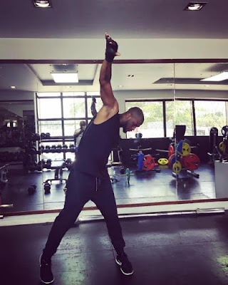 Peter Okoye Shows Off Muscles And Sexy Abs In Gym Photos