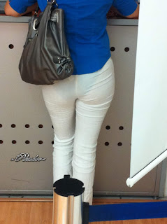 Rica transparencia guapa mujer pantalon transparente