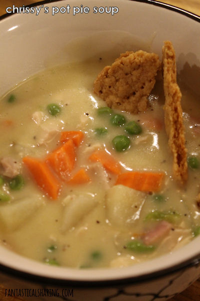 Chrissy's Pot Pie Soup // This ridiculously fantastic soup is creamy and rich with pie crust dippers that can fool you into thinking you have a pot pie in front of you. #recipe #soup #potpie #chicken #ham #pie