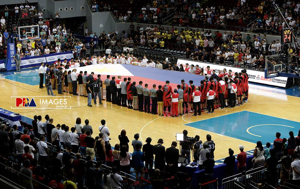 San Miguel Beermen and Star Hotshots honor the fallen heroes of Marawi City