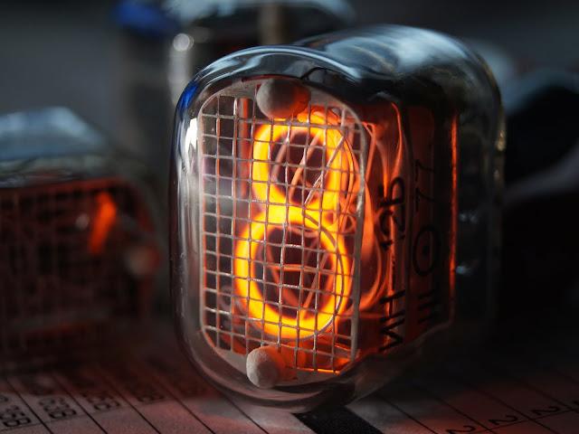 Газоразрядный индикатор ИН-12Б
