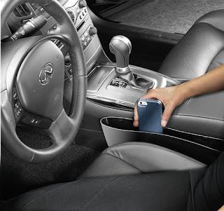 Extra pocket for car