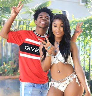 Deshae Frost clicking the picture with his friend