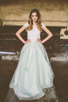 750bf45b60 http://www.buzzfeed.com/jessicaprobus/36-ultra-glamorous-two-piece-wedding- dresses