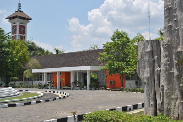 Pusat Penelitian dan Pengembangan Perum Perhutani Cepu