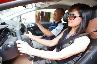 khóa học lái xe ô tô cho phụ nữ