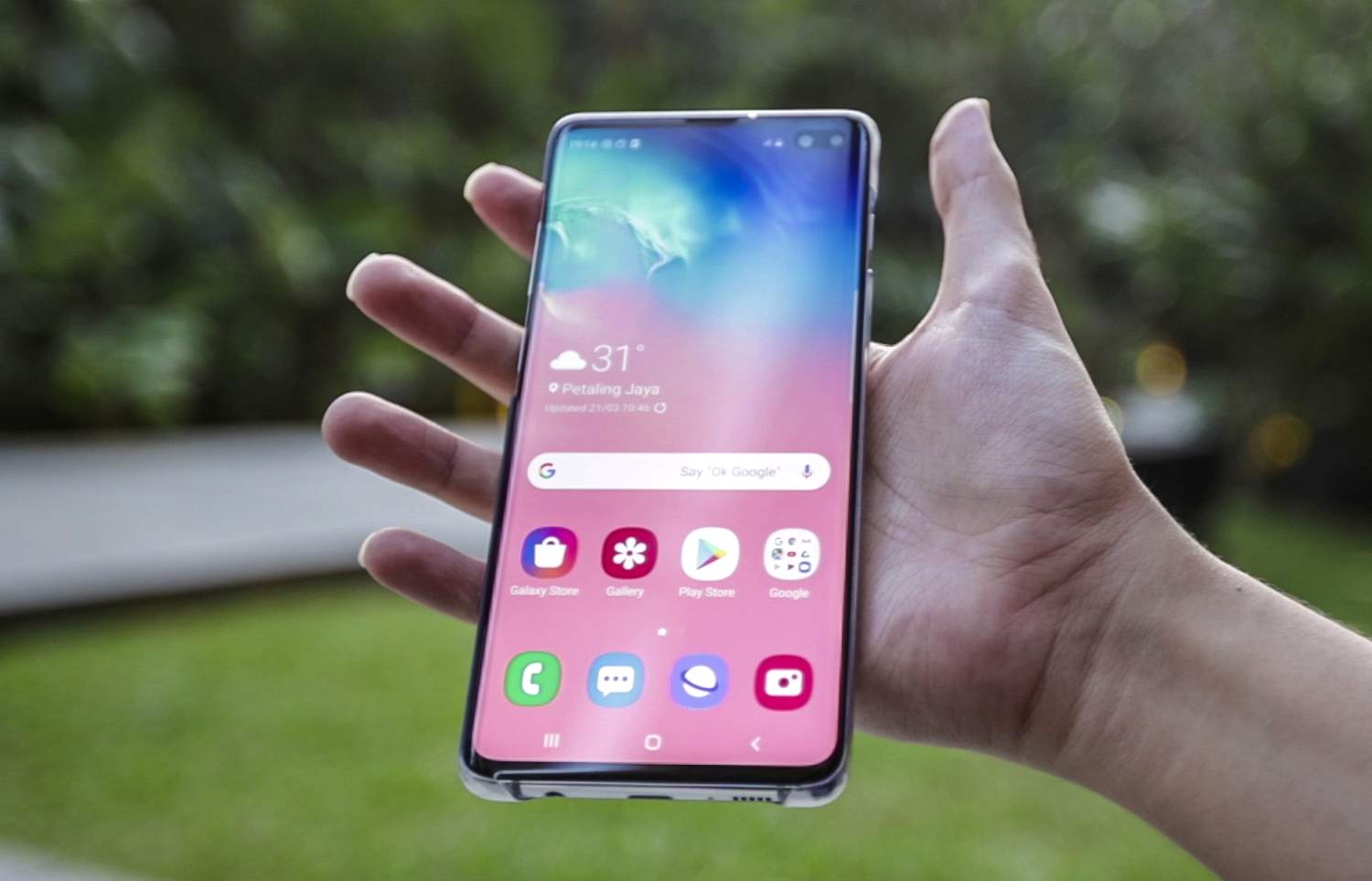 Samsung Galaxy S10 Plus (stuff.tv)