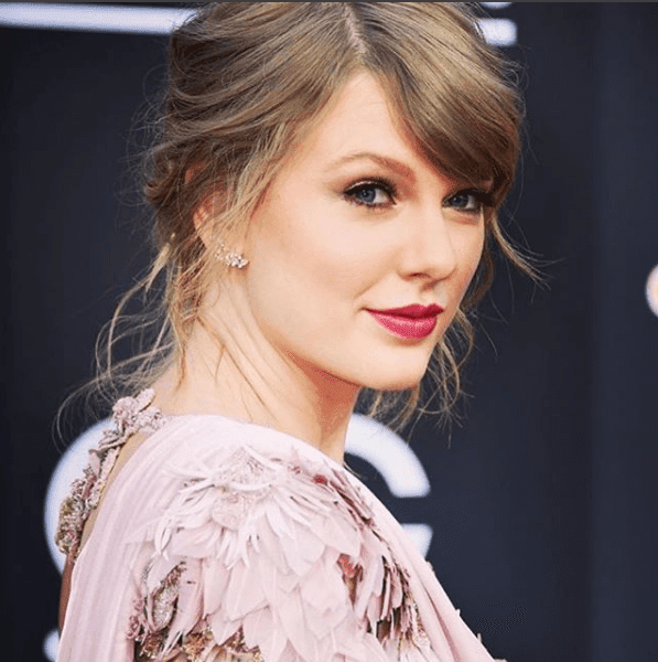 Luxury Makeup  BTS And Taylor Swift In The Billboard Fist Red Carpet In Over Two Years with AGlam Makeup Tutorial