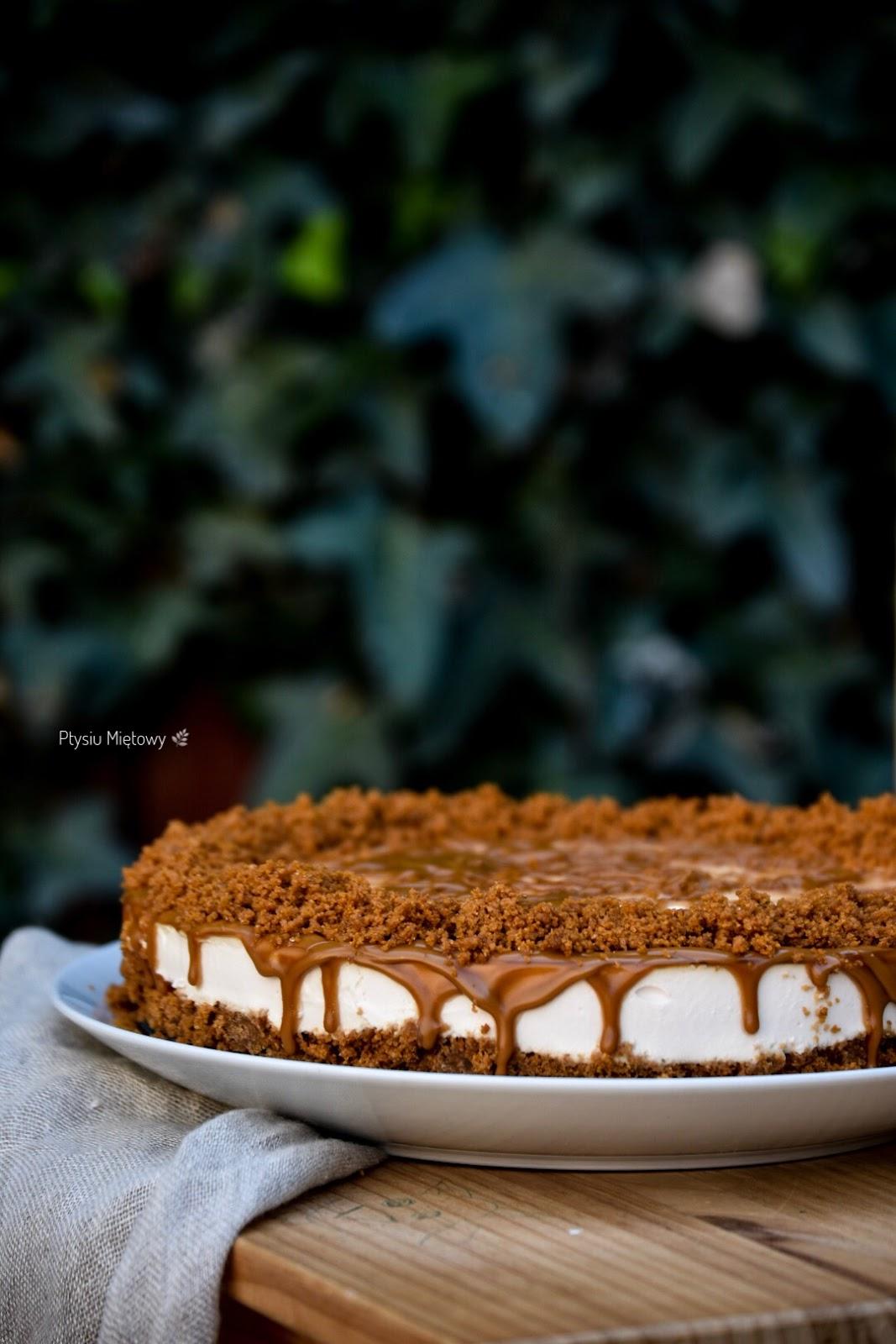 sernik, deser, ciasto, ptysiu mietowy, lotus