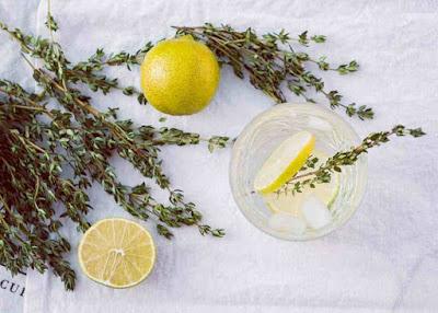 هل شرب الماء والليمون قبل النوم ينحف