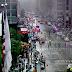 Helicóptero bate em prédio em Manhattan; VÌDEO