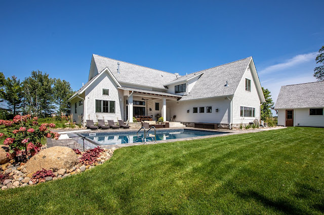 แบบบ้านที่มีสระว่ายน้ำ