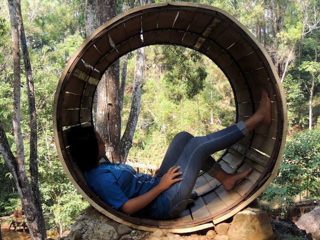 refreshing di rumah hobbit Mangunan Jogja