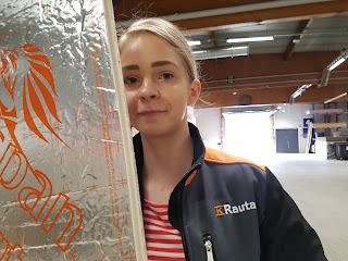 Heidididit - varaston tai autotallin oven korjaus ja eristys