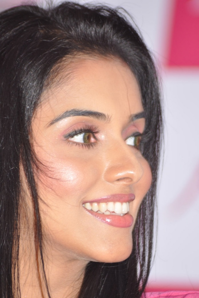 Hindi Actress Asin Face Closeup Without Makeup - Tollywood -6526