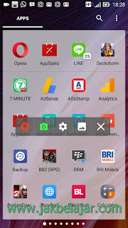 Tampilan floating menu AZ Screen Recorder