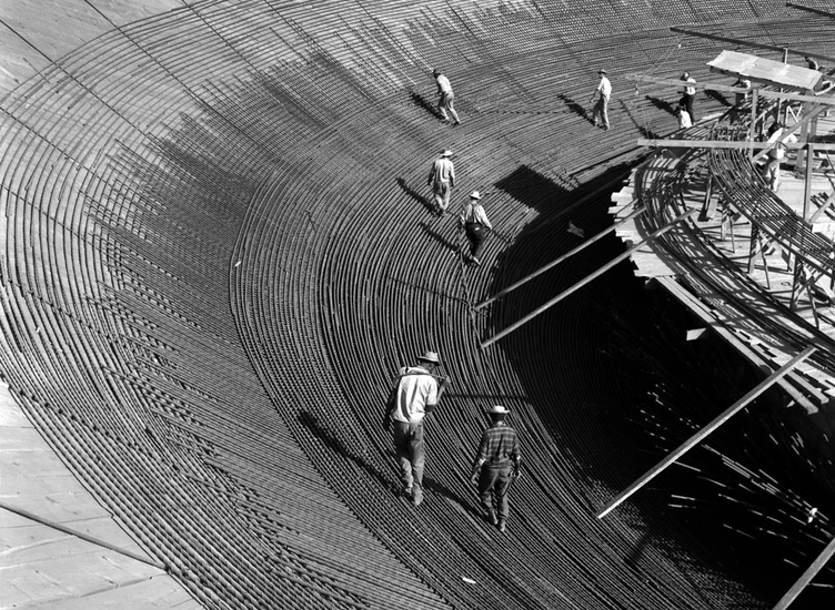 Anéis de aço da cúpula invertida da Câmara dos Deputados