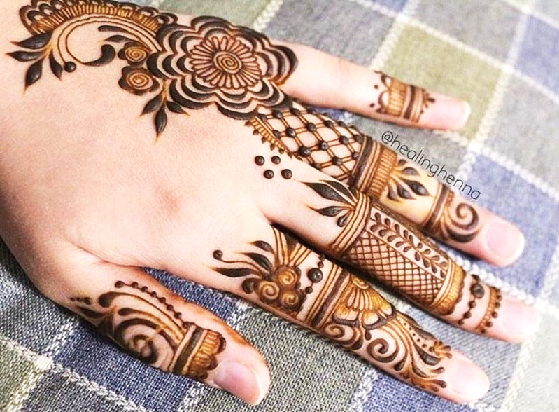 Back Hand Simple Jewellery Design 2020