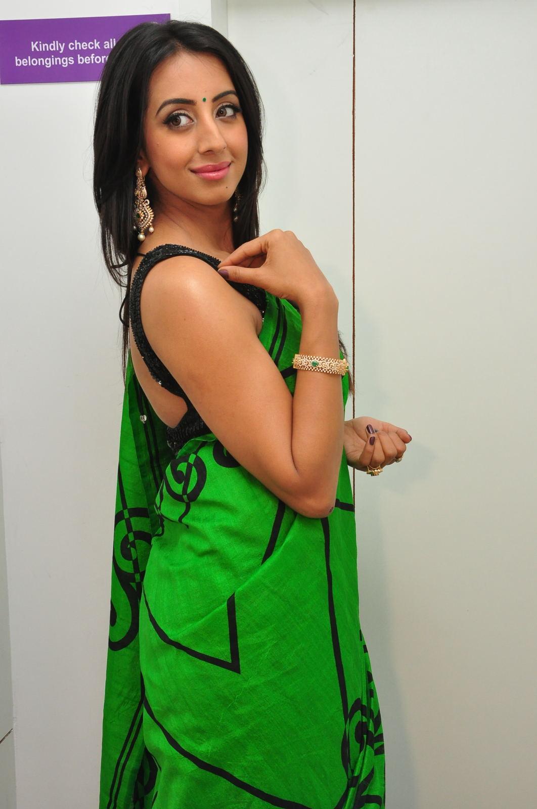 Sanjjana Glamorous at Naturals Saloon launch-HQ-Photo-5
