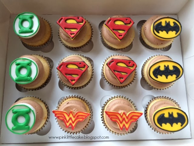 Pink Little Cake Super Hero Cupcakes And Cookie Favors How To Make