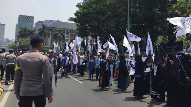 GNPF Ulama: Jangan yang Bakar Dilepas, yang Bawa Bendera Ditangkap