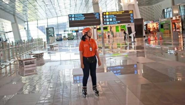 "Bandara dan Pertanyaan Non-Muslim ""Kenapa Adzan Harus Keras-Keras?"""