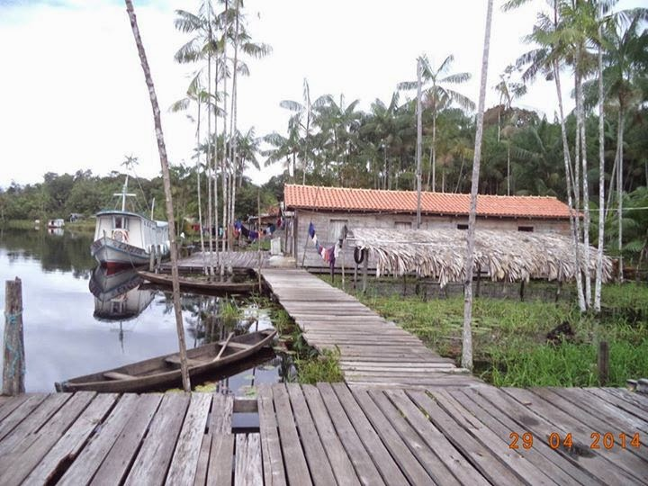 Localidade no rio Mocajatuba, afluente do rio Acutipereira