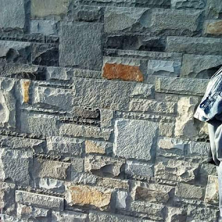 Contoh pasangan batu alam kombinasi uku rta