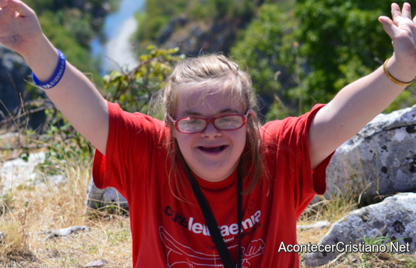 Joven cristiana con síndrome de Down