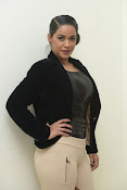 Mumaith Khan latest sizzling photos-thumbnail-8