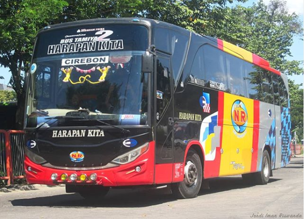 Bus Probolinggo Cirebon
